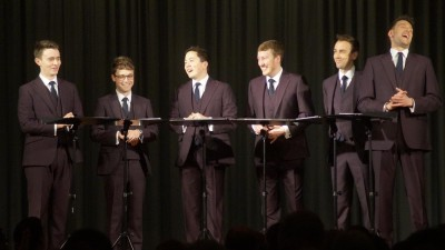 Die Könige des a cappella in der aktuellen Besetzung beim Langenselbolder Chorfestival (von links): Patrick Dunachie (Countertenor), Edward Button (Countertenor), Julian Gregory (Tenor), Christopher Bruerton (Bariton), Nick Ashby (Bariton) und Jonathan Howard (Bass). Foto: Abel